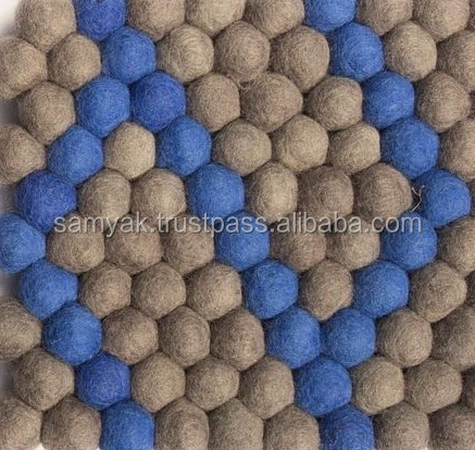 High Quality Nepal Handmade Dot Pattern Rectangular Felt Ball Carpet/Rug