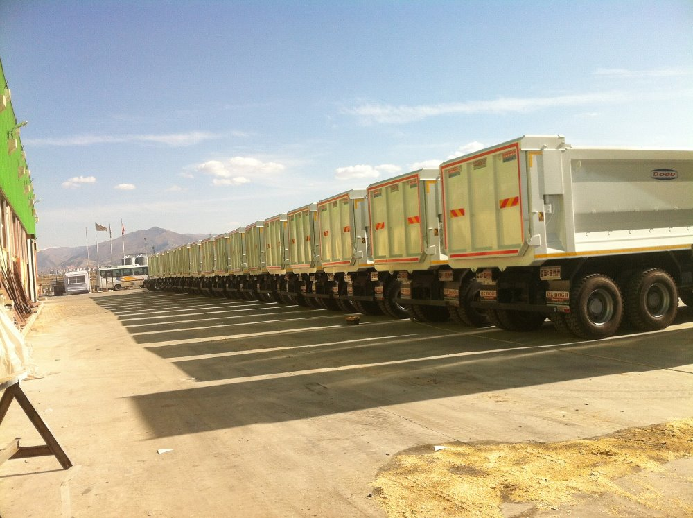 3 Axle Trailer 2 Axle Trailer Hook Lift 3 Axle LowBed Container Platform Box Winter Service Vehicle Factory Turkey