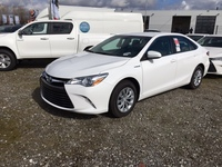 Toyota Camry LE Hybrid New