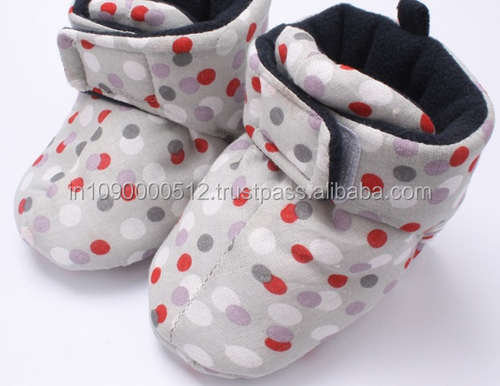 Factory price pretty baby booties