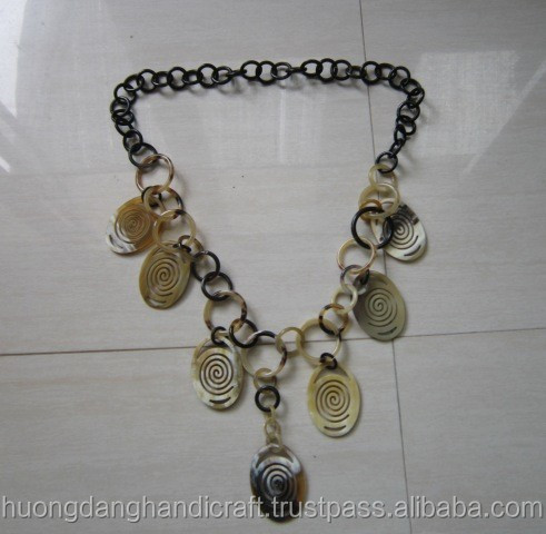 Fashionable, competitive price buffalo horn necklace made in Vietnam