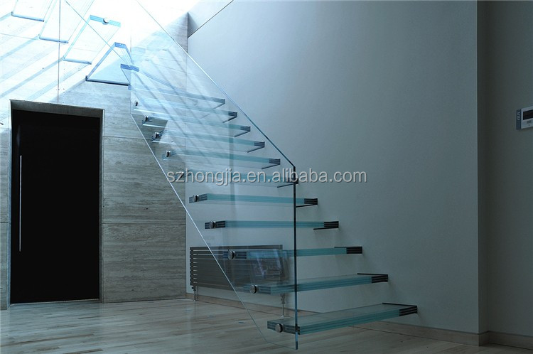 Glass_Staircase_1_H.jpg