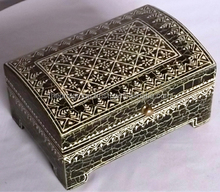 Natural Handicraft Emboss Metal Fitted Wooden Storage Box