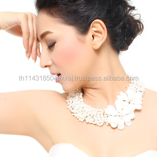 Top Pure Sweet Freshwater Pearl and Mother of Pearl Handmade Necklace Glamorous Statement Jewelry
