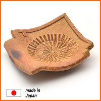 Classic and comfortable ceramic glaze plate from Japanese manufacturer for restaurant