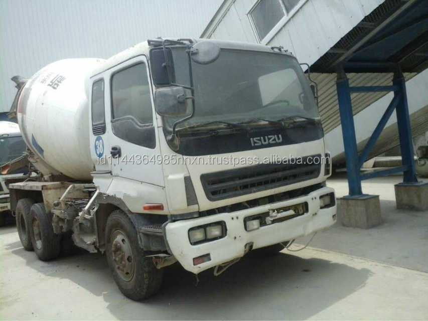 Isuzu 9m3 used mixers truck Japan origin for sale