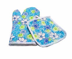 plain white bleched oven mitt