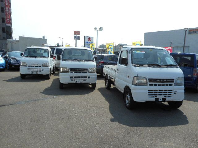 Right hand drive and Reasonable Good looking used mini truck japan suzuki carry 2001