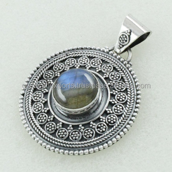 Labradorite Stone Beautiful Design 925 Sterling Silver Pendant