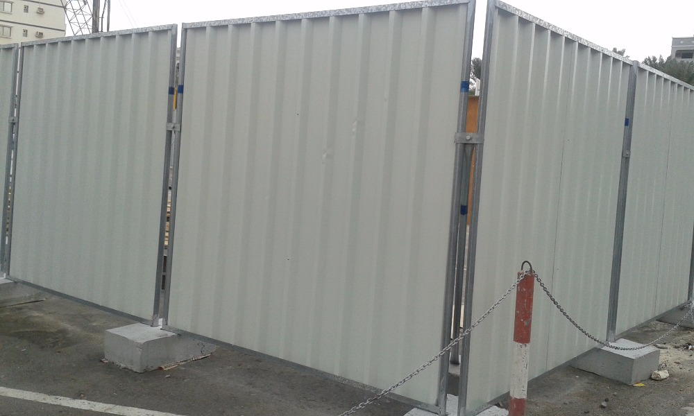 FENCING solutions / Temporary construction site fencing / Corrugated fencing panels + 971 56 5478106 Dubai / Muscat/Doha/Riyadh