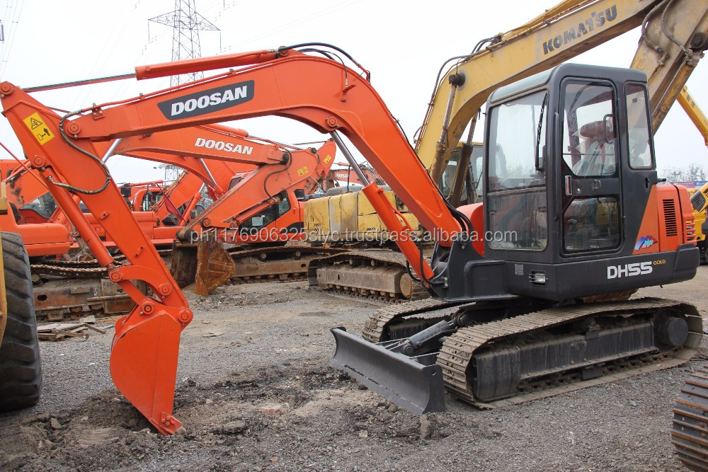 crawler moving type used Doosan DH55 mini crawler excavator with hydraulic engine /secondhand Doosan DH55 5.5t crawler excavator