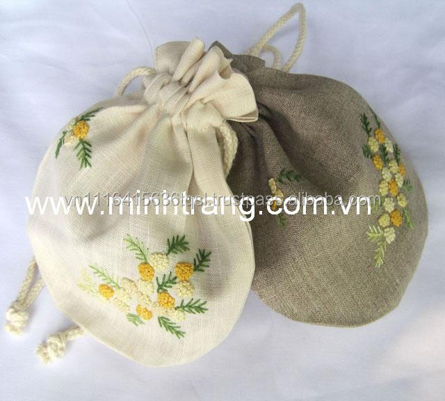 Low price handmade cotton embroided laundry bag with many new style in Viet Nam
