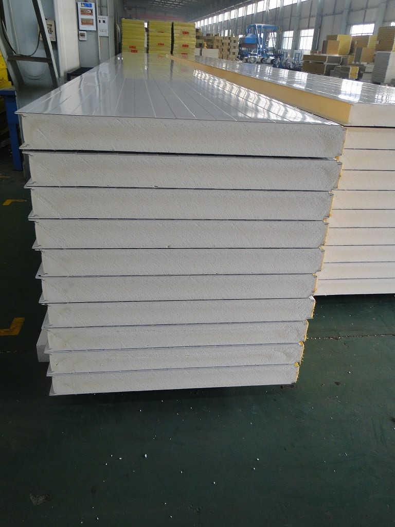 Insulated Prefabricated Sandwich Wall Roof Panel View