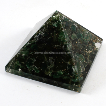 Wholesale Chakra Stones : Big Orgone Green Jade Stone Pyramid Without SBB Coil ( 80-90MM)