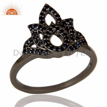 Handmade Black Rhodium Plated 925 Silver Ring Natural Blue Sapphire Gemstone Flower Design Ring Manufacturer of Wedding Jewelry
