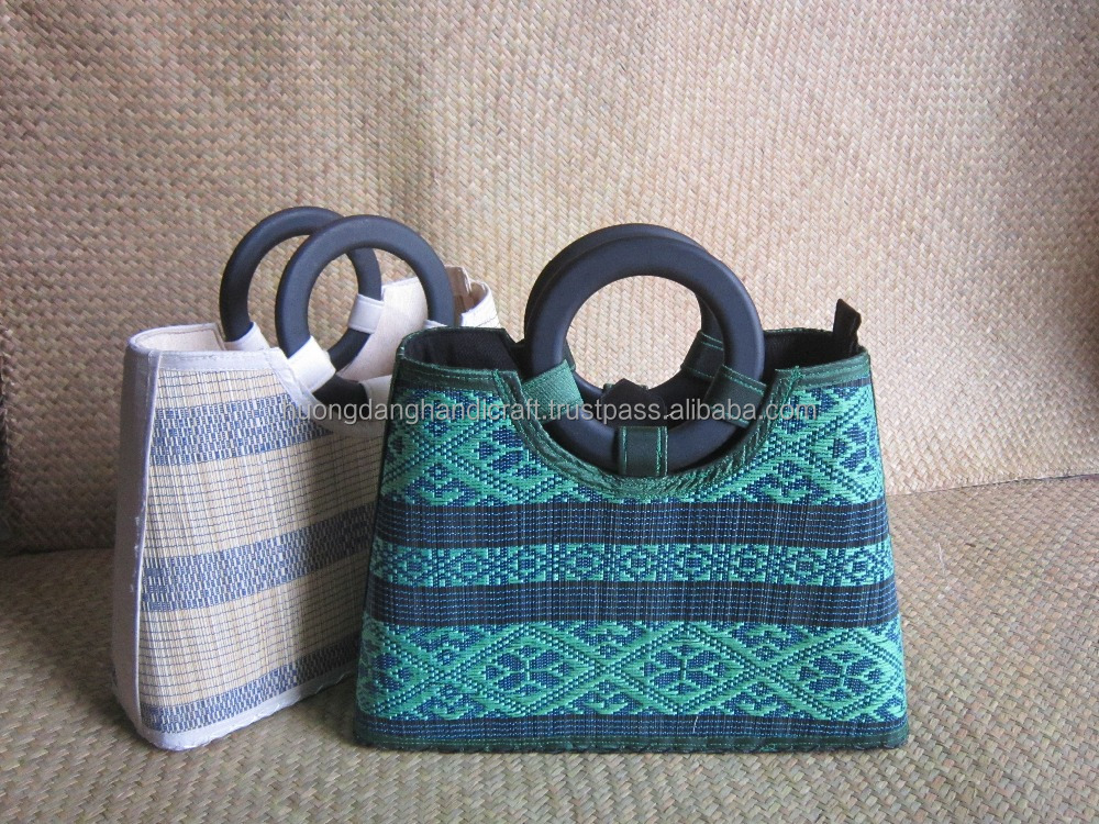 Skillful embroidered bamboo bag for women from Vietnam