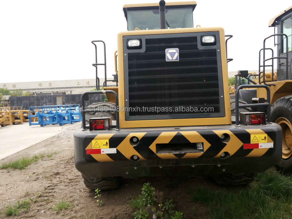 Excavating loader 4 wheel drive tractor with front loader 2016 hot sale