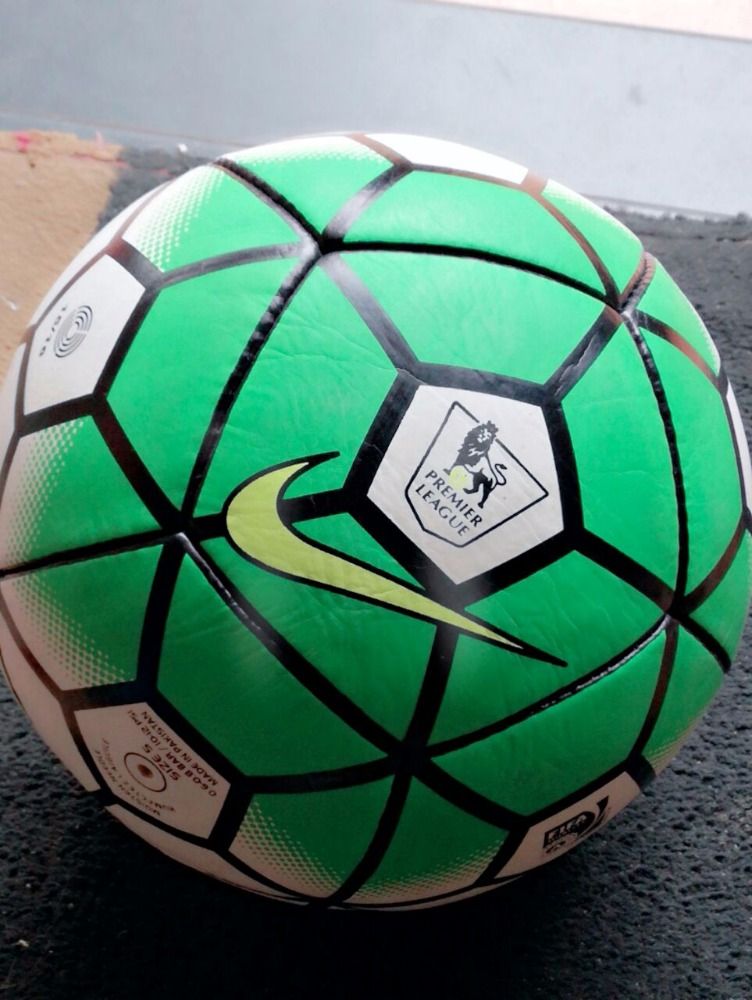 Selling well of good quality imported PU leather football