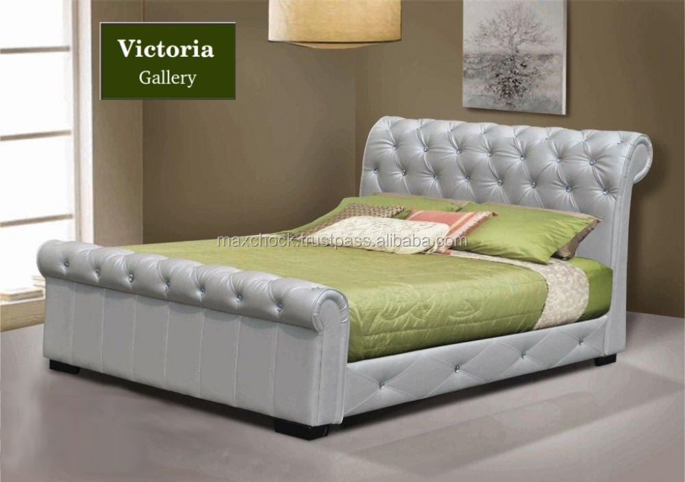 Carson Diamond Tufted upholstery sleigh bed