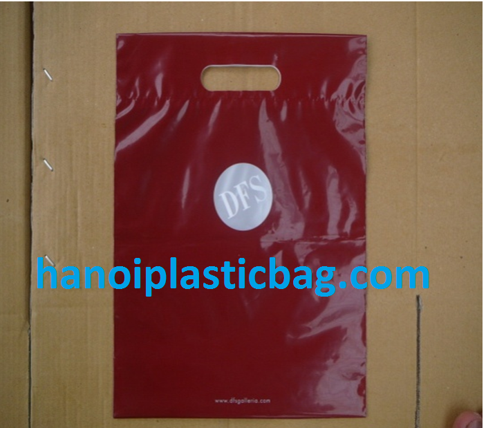 Hot wine plastic bag with die-cut handle for two bottle