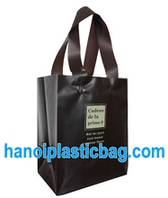 Top quality black soft loop handle plastic bag for package