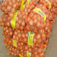 FRESH ONIONS / FRESH YELLOW ONIONS 30-50mm 50-70mm 70-90mm 90mm+ packed in Mesh bags