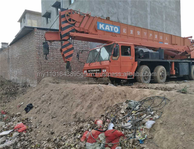 Good condition used Kato nk500e-v 50 ton mobile crane Japan original five booms truck crane sale in China