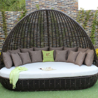 Exclusive Classy Design Synthetic Poly Rattan Daybed/Sunbed with Arch For Outdoor Garden Beach Resort Pool Wicker Furniture