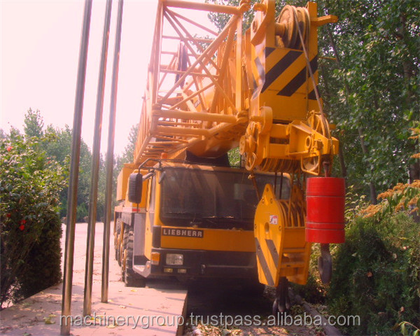 Used Liebherr Heavy Crane LTM1220 Mobile Truck Crane 220Tons Cheap For Sale