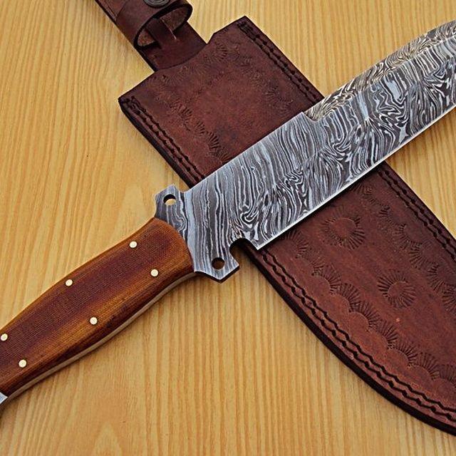 Damascus Steel Hunting Knife.