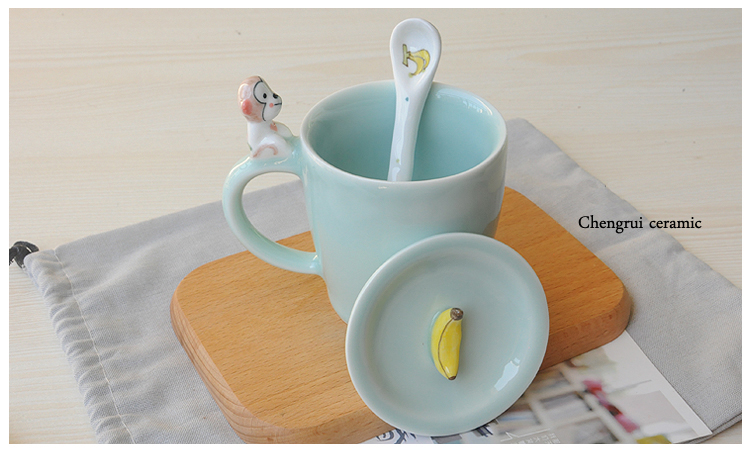 3D unique design wholesale special ceramic animal shaped with lid mug