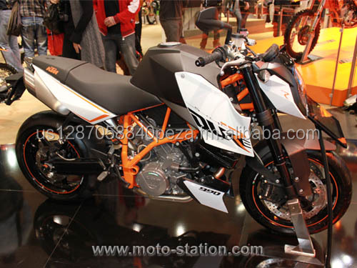 2017 KTM 990 SUPER DUKE R THE ALPHA ANIMAL