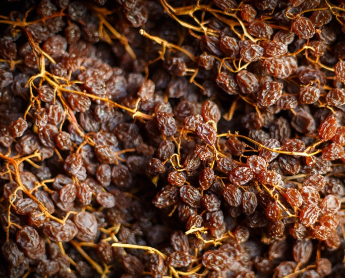 Dark Golden Sultana Clusters 4kg Australian Grown Dried Grapes Quality Natural Healthy Snack Food Raisin Sultana