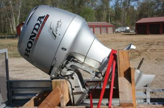 Used Honda 115 HP 4-Stroke Outboard Motor Engine