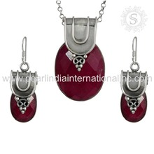 Pink ruby gemstone silver jewelry set factory offers 925 sterling silver jewelry set wholesaler