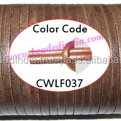Leather Cords 2.5mm flat, metallic color - sand. Weight: 550 grams. CWLF25037
