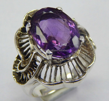 925 Sterling Silver size 8 US fashionable ring with Natural faceted amethyst