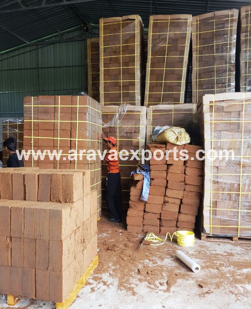 Coco peat for plantations