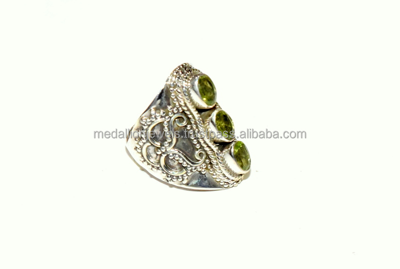 925 Solid Sterling Silver Peridot Three Stone Oxidised Facet Ring