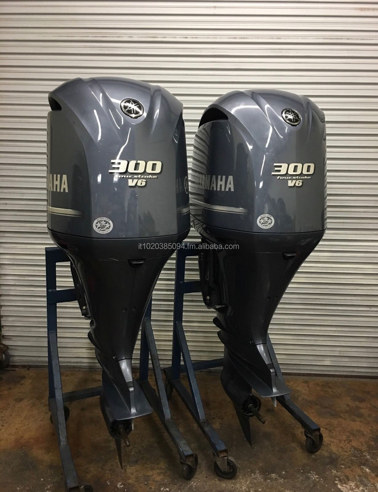 USED PAIR Y-A-M-A-H-A 300 HP 4 STROKE OUT BOARD MOTOR