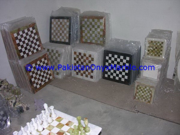LUXURIOUS DECORATIVE MARBLE CHESS SET BOARDS CHECKERS GAME BLACK AND INDUS GOLD MARBLE