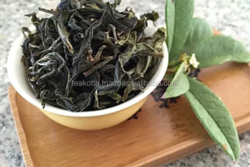 Oolong Green Tea mixed with fragrant rice leaves