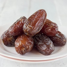 Date Crown Fard Packaged Dry Dates Price