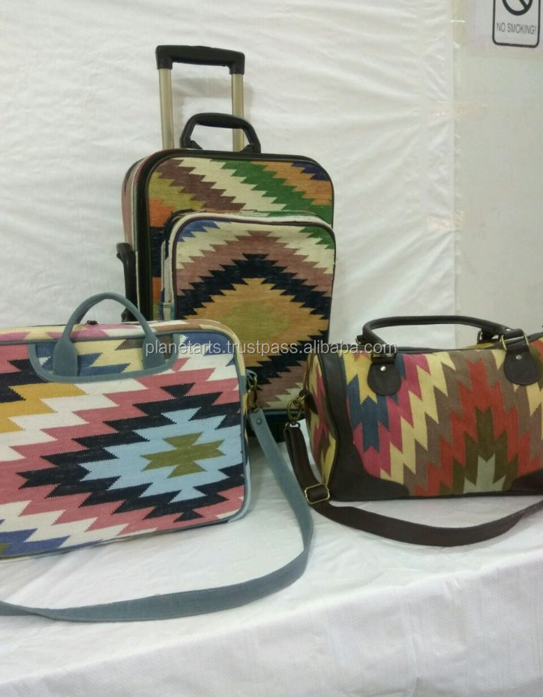 Traditional designer luggage cases with cotton durry bag