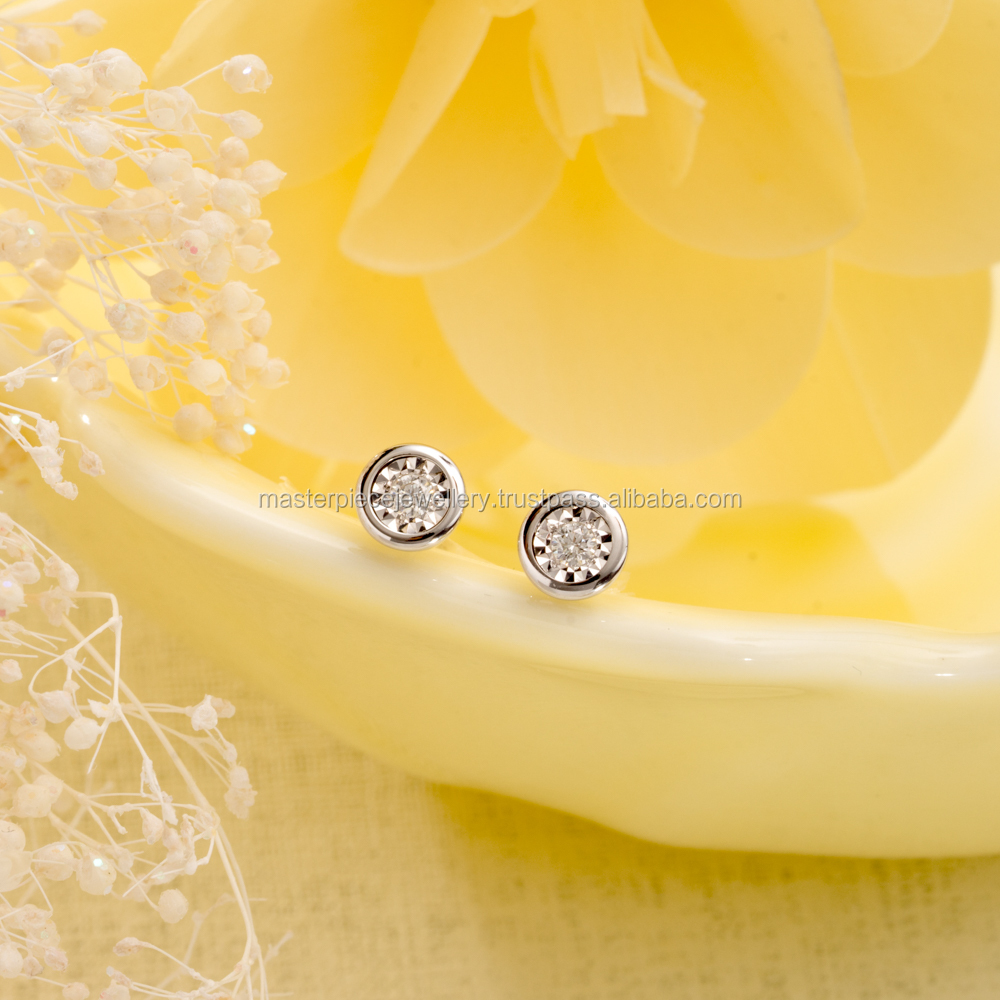 Classic Design 18K 0.082CT white gold Diamond sizes april birth stone high school class earring chocolate diamonds matching