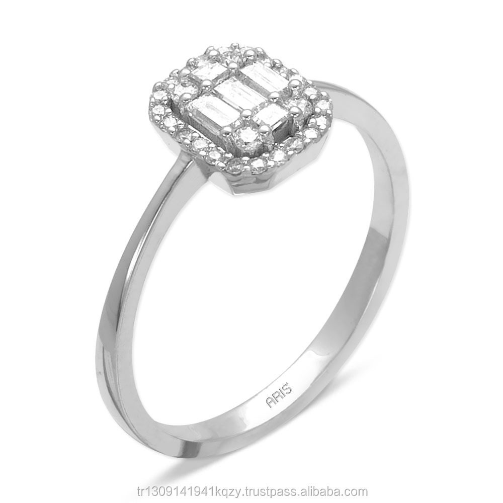 Unique Design 0,27 ct Diamond Effect Ring in 14k White Gold Women Jewelry