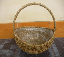 Handling seagrass gift basket cheap price wicker fruit basket beautiful design safety bamboo bread basket