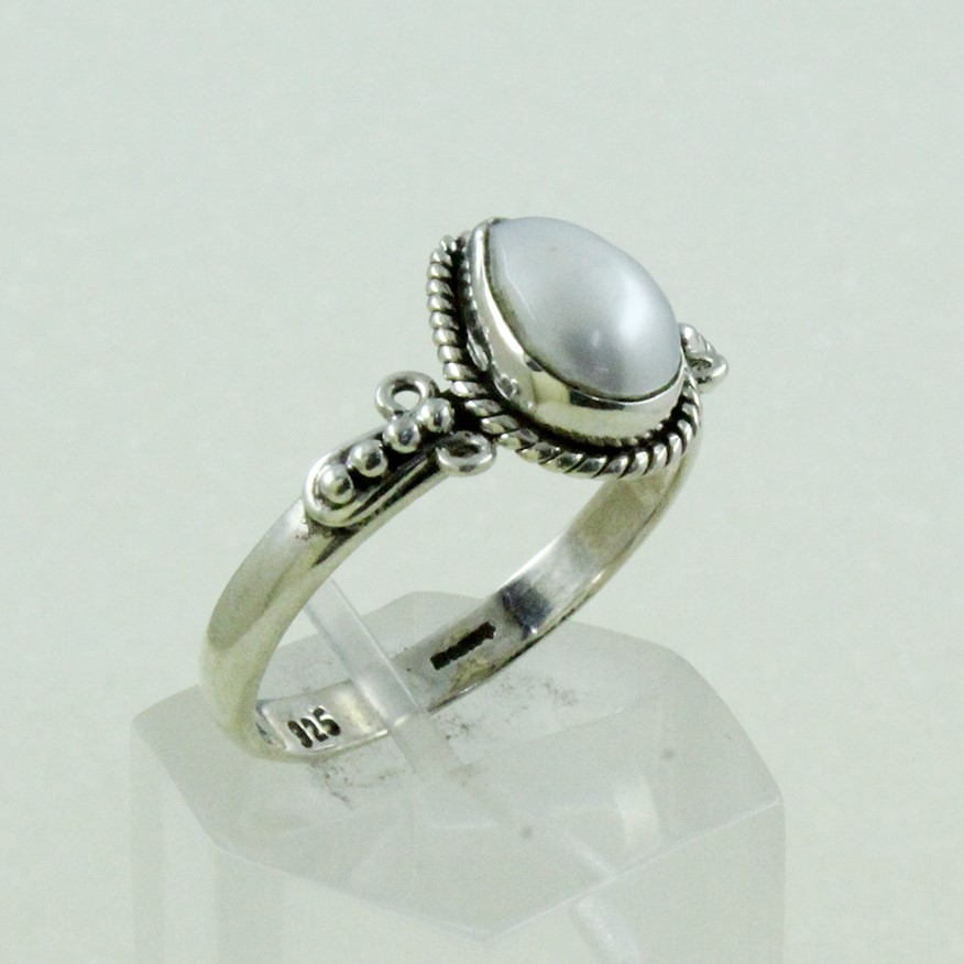 Pretty 925 Sterling Silver Tiny Pearl Gem Stone Ring Jewelry Supplier India