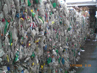 2017 washed 100% clear PET bottle scrap / PET flakes /recycled PET Resin Factory price