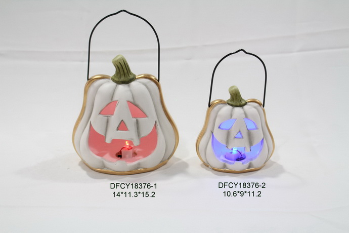 2017 new style halloween ornament polyresin witch skull ghost statue with led light